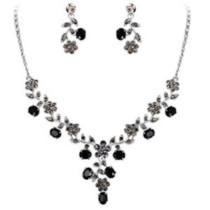 Jewelry - Vintage Style Black Crystal Necklace Earrings Set